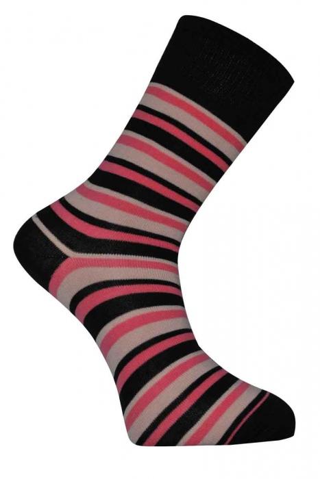 Κλασικές γυναικείες κάλτσες από μαλλί
