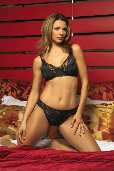 Ladies Lace Set Bra & Brazilian Style Panties 2001-1403